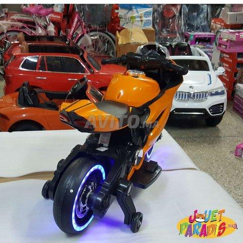 Magnifique MOTO 12Volts Avec Roues Lumineux - 3