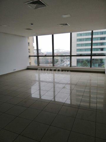 Bureau de 70 m2 Centre Ville open space - 1