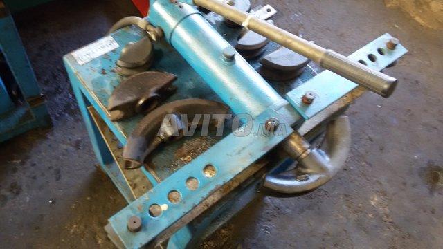 Cintreuse hydraulique électrique et manuelle 139 - 4