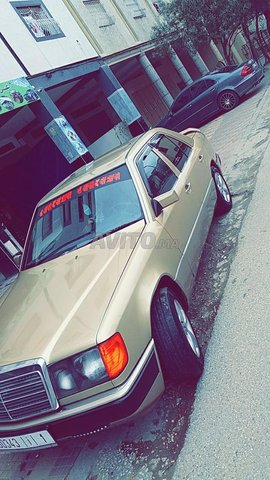 Voiture Mercedes benz R250 1987 à tanger  Essence  - 10 chevaux