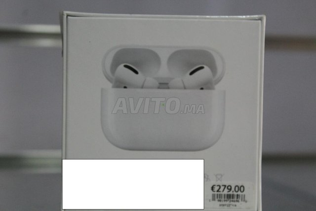 AirPods pro 3 - 2
