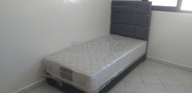 Des lit Disponibl and Livraison - 5