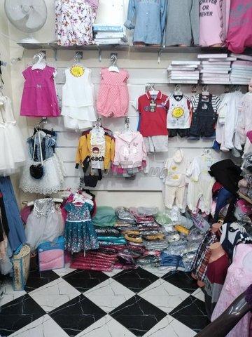 تجهيزات و ملابس للبيع - 1