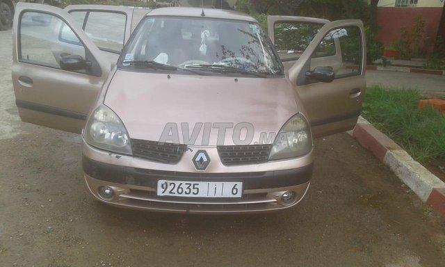 Voiture Renault Clio 2003 à meknès  Essence  - 8 chevaux