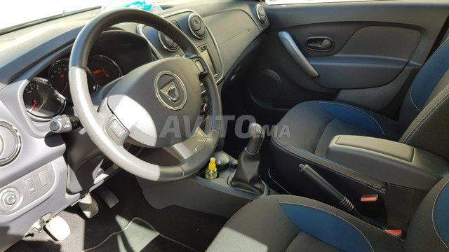 Voiture Dacia Sandero 2015 à tanger  Diesel  - 6 chevaux
