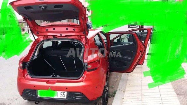 Voiture Renault Clio 2015 à el-jadida  Diesel  - 6 chevaux