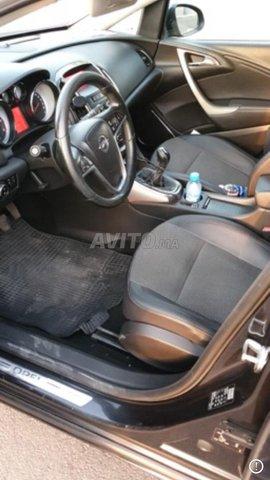 Voiture Opel Astra 2012 à agadir  Diesel