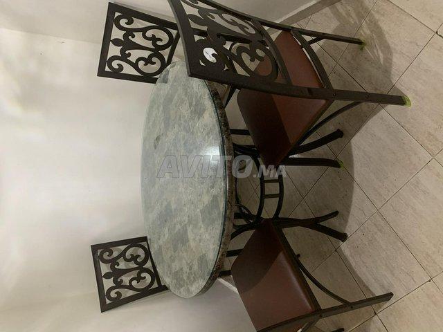 Table marbre couvert de marbre fer forger  - 1