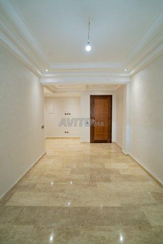 Appartement  de 123 m2  en RDC avec cour  - 6