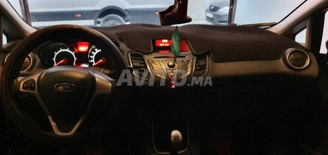 Voiture Ford Fiesta 2013 à guelmim  Essence