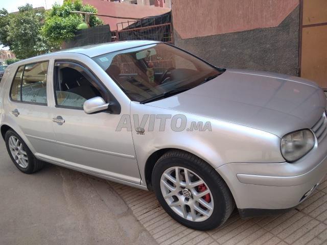 Voiture Volkswagen Golf 4 2002 à béni-mellal  Diesel  - 8 chevaux
