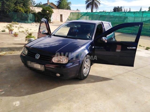 Voiture Volkswagen Golf 4 2002 à oued-zem  Diesel  - 8 chevaux