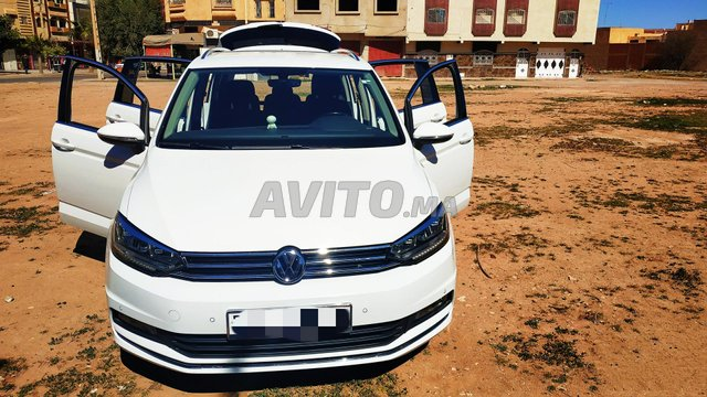 Voiture Volkswagen Touran 2017 à oujda  Diesel  - 8 chevaux