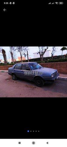 Voiture Volkswagen Jetta 1991 à salé  Diesel  - 6 chevaux