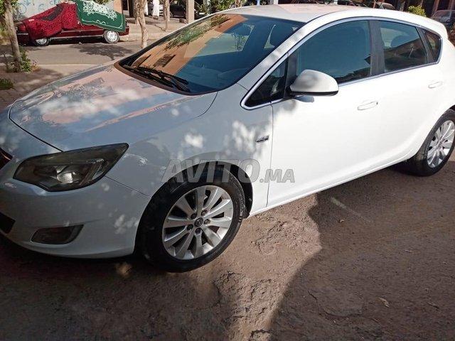 Voiture Opel Astra 2012 à marrakech  Diesel  - 6 chevaux