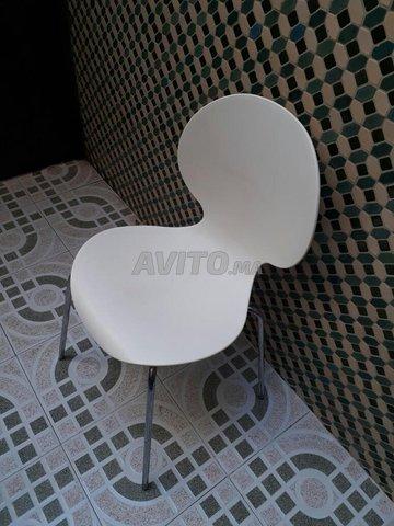 3x chaises en plastique - 1