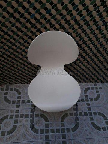 3x chaises en plastique - 2