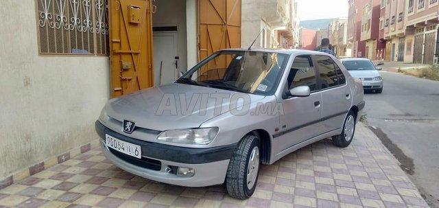 Voiture Peugeot 206 1999 à barkine  Essence  - 8 chevaux
