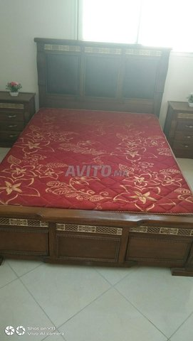 grand lit et 2 lits pour enfants et placard - 1