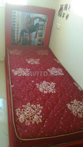 grand lit et 2 lits pour enfants et placard - 4