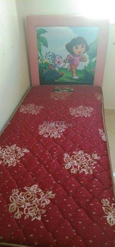 grand lit et 2 lits pour enfants et placard - 3